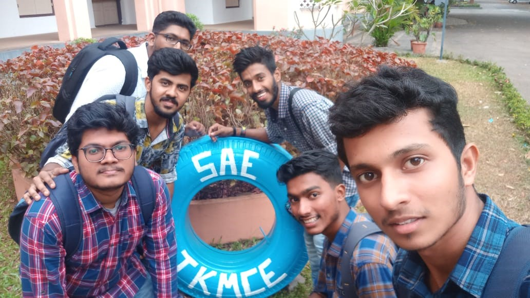 Mechanical students win first place in SAE event