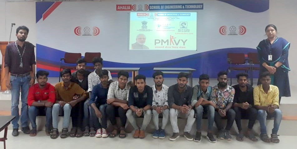 17 Students Successfully Complete Electrician Domestic Solutions course under PMKVY